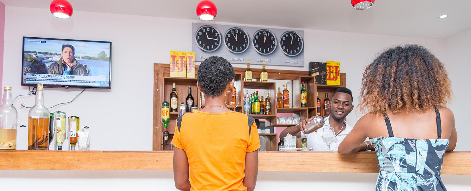 Bar, Restaurant, Piscine