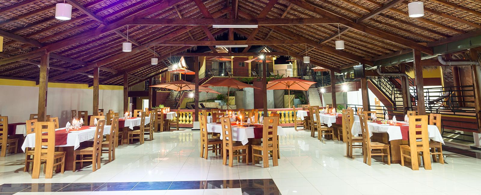 Bar, Restaurant, Piscine à majunga